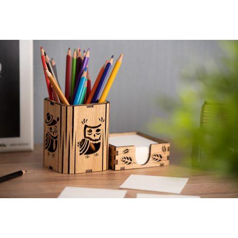 Tölgyfából kézzel készült írószertartó papírtömb tartóval, bagoly mintával