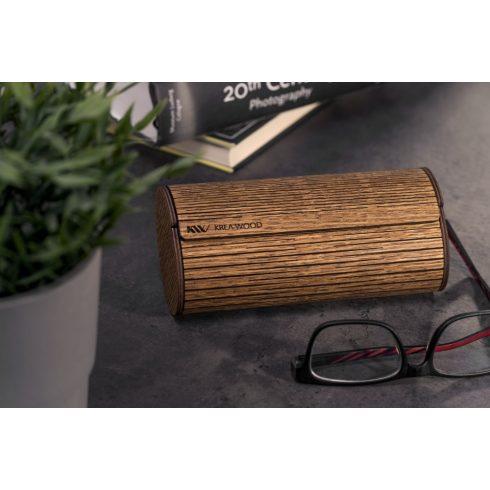 Tölgyfából kézzel készült mágneses szemüvegtok, barna színben.