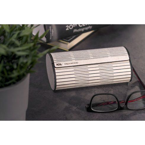 Tölgyfából kézzel készült mágneses szemüvegtok, fehér színben.